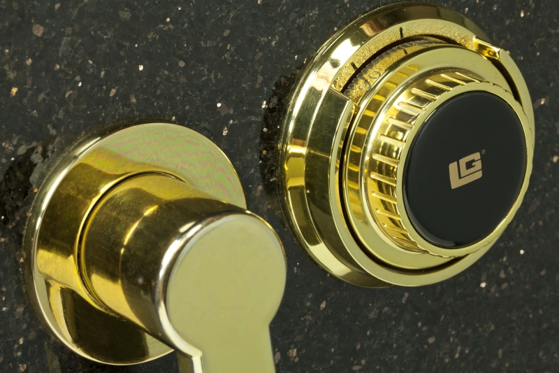 eurovault-lx-granite-close-up-lock